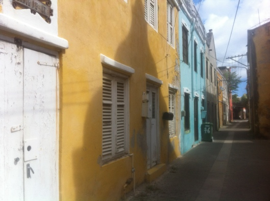 An alley in the historic quarter of Willemstad called Otrobanda.