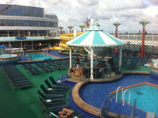 The pool area of the Norwegian Pearl.