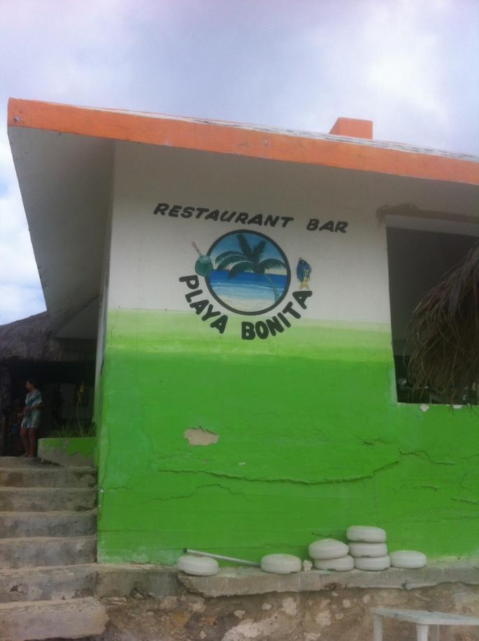 The small beach bar at Playa Bonita.