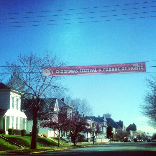 A charming small town atmosphere welcomes you to Greenfield, Indiana on the National Road (US 40).