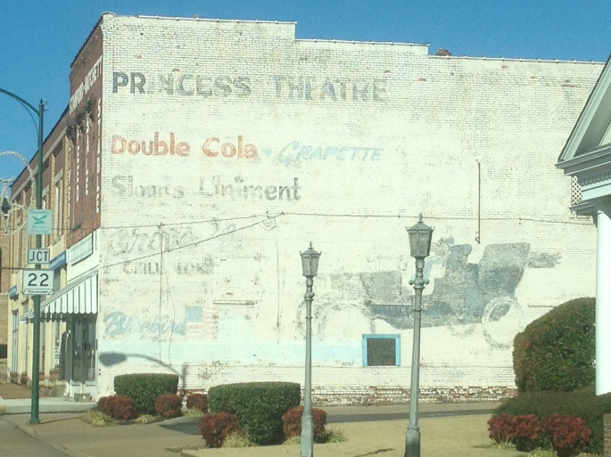 A nice mural still exists on the side of this building in downtown Lexington, Tennessee.