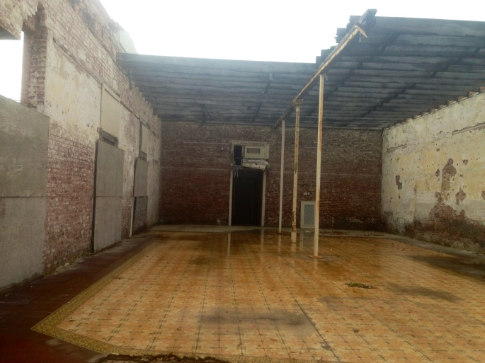 There is still hurricane Katrina damage in downtown Biloxi as evidenced by this retail space.