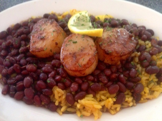 The food at Mulletville in Matlacha is very good.  Here is the scallops with black beans and rice.