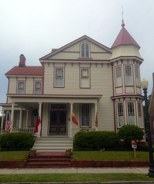 Another historic home in New Bern, NC.
