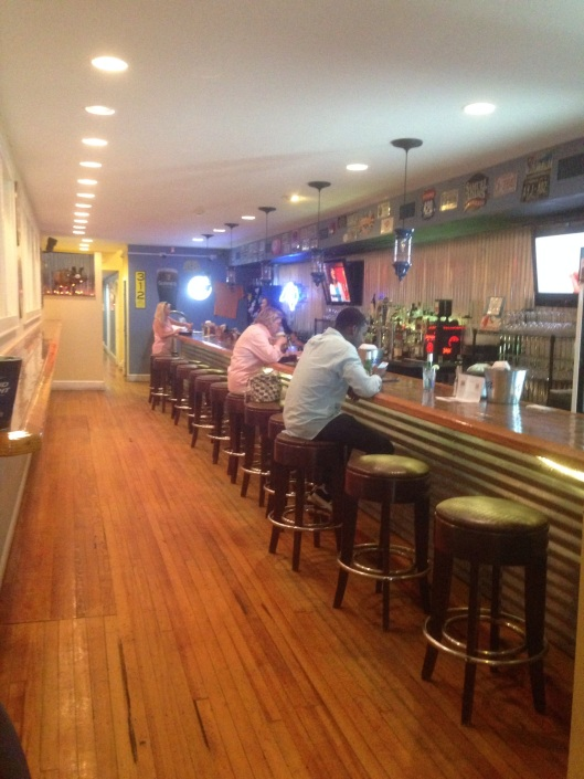 Grub Brothers downtown Washington NC has a full bar and some excellent food.